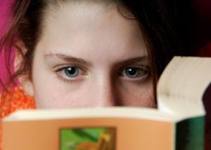 girl-reading-book59115302_std