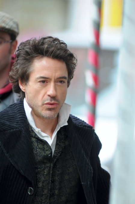 "Robert Downey Jr. on the set of Guy Ritchie's ""Sherlock Holmes"""